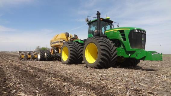 Strip tillage with ETS Soil Warrior